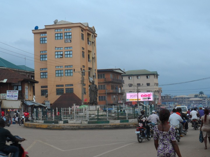 Tall building near the Roundabout_Nnewi